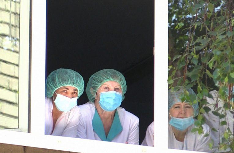 Во Владимире прошли акции благодарности медикам в преддверии их профессионального праздника